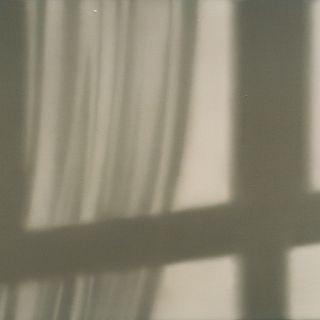 Vorhangschatten 1, 1999, 80 x 92 cm
